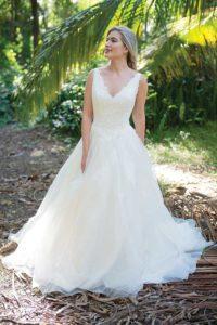 Alternative and unique summer wedding dresses in Stratford-Upon-Avon, England
