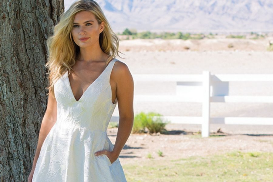 Summer Wedding Dresses: 15 Striking Designs