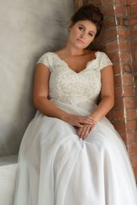 Curvy capped sleeved Lois Wild wedding dress in Stratford-Upon-Avon