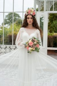 Plus-size Freda Bennet wedding dress with v-neckline in Stratford-Upon-Avon