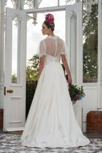 Sleeved Freda Bennet wedding dress for curvy bride in Stratford-Upon-Avon