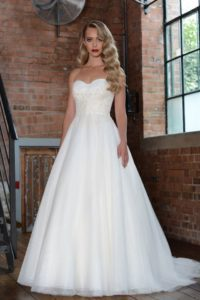 Wedding dresses in Stratford-Upon-Avon
