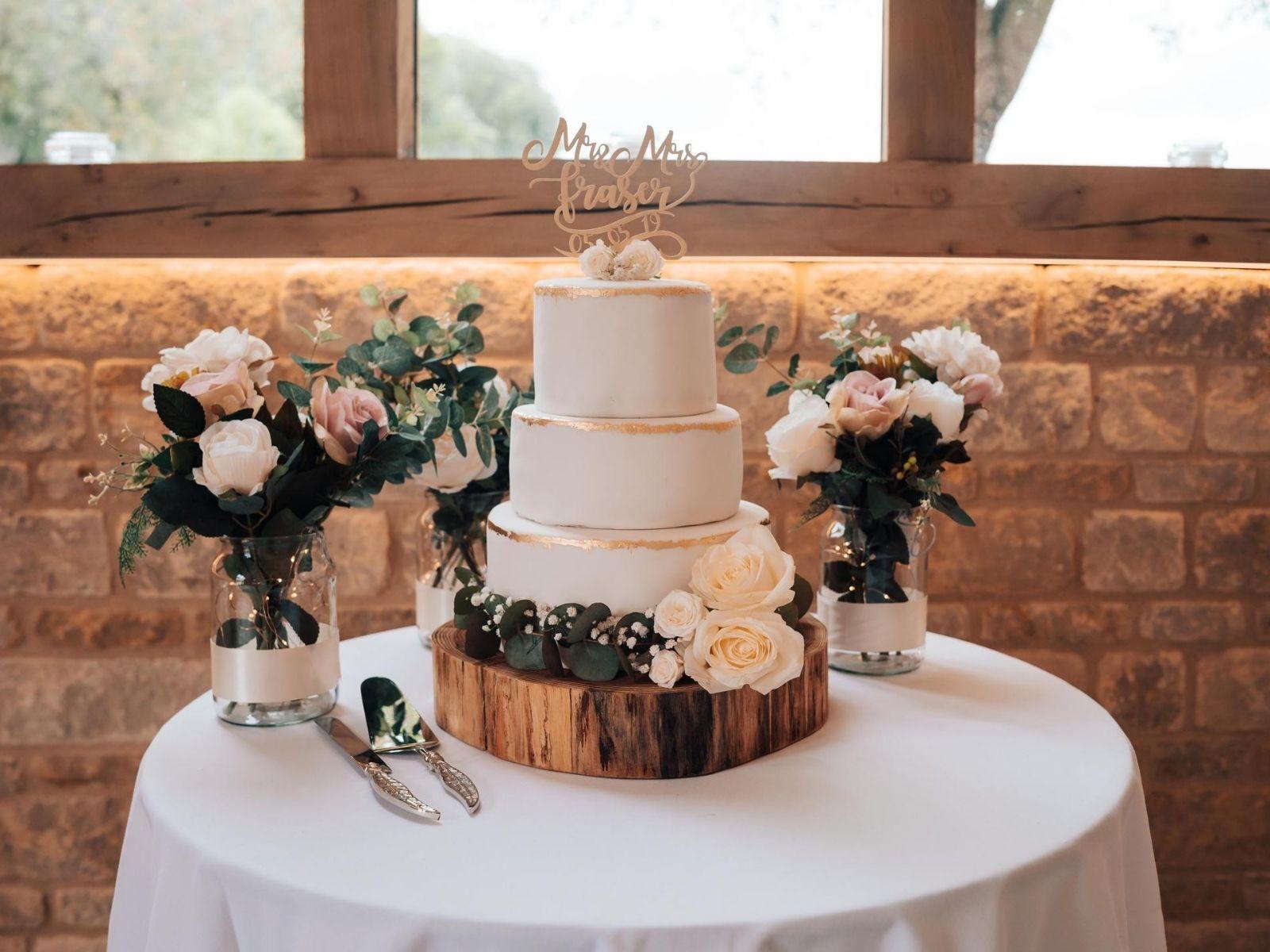 DIY wedding cake baked by bride