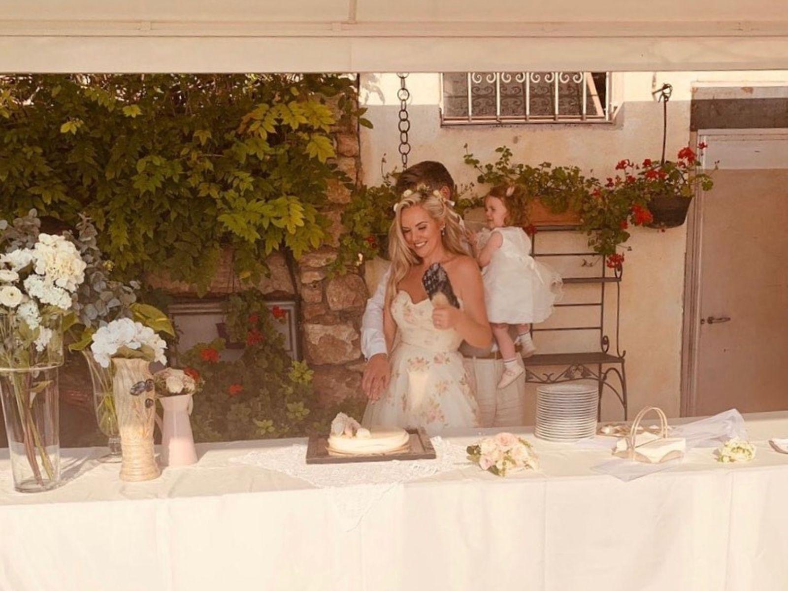 Outdoor bohemian vintage wedding dress