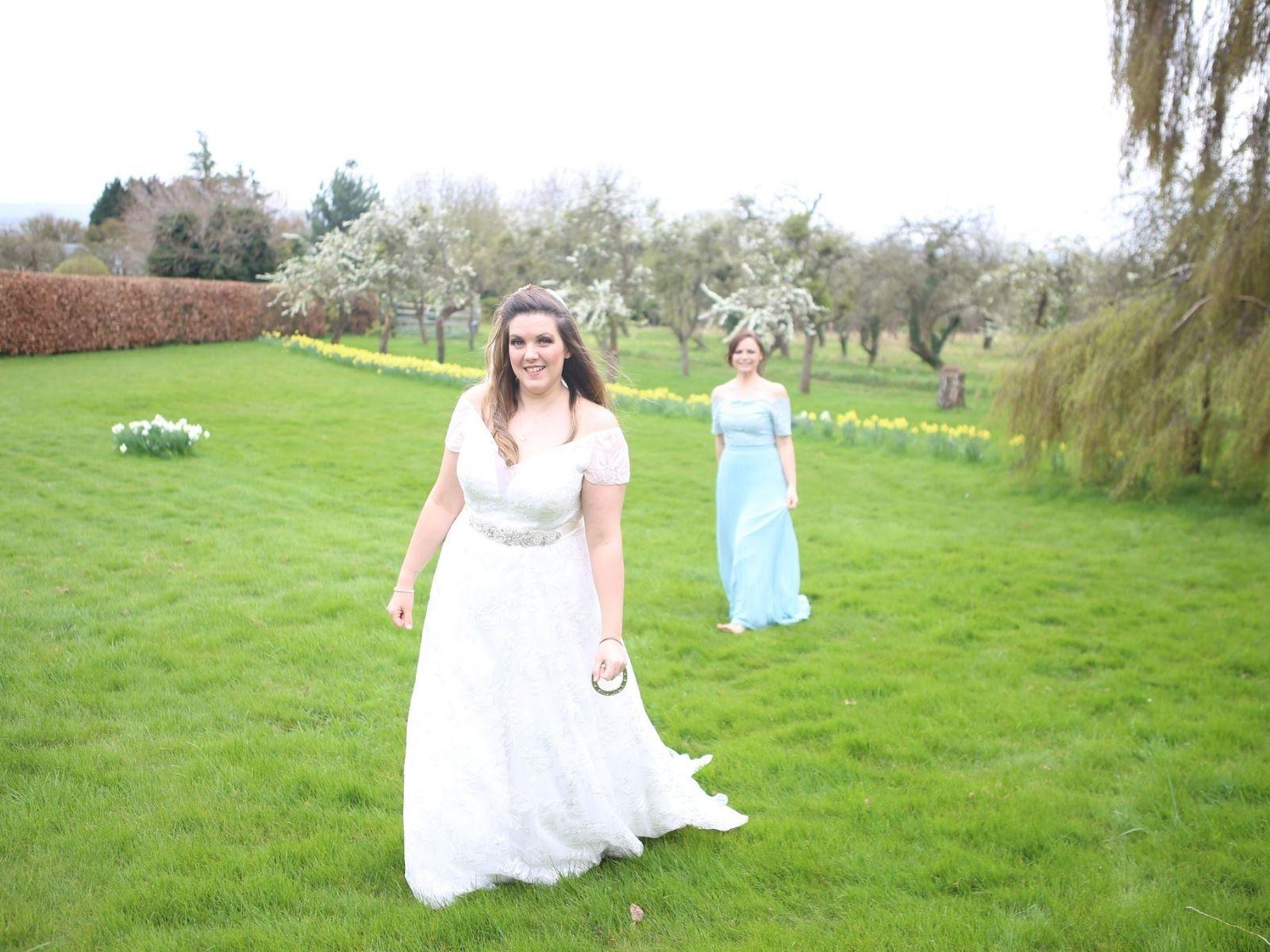 Loaned wedding dress Stratford Upon Avon
