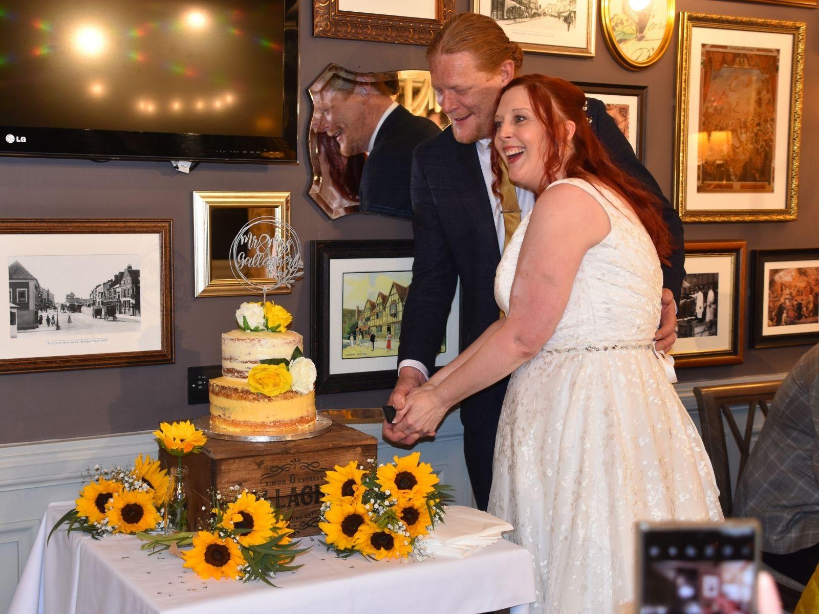Rustic wedding cake Stratford Upon Avon
